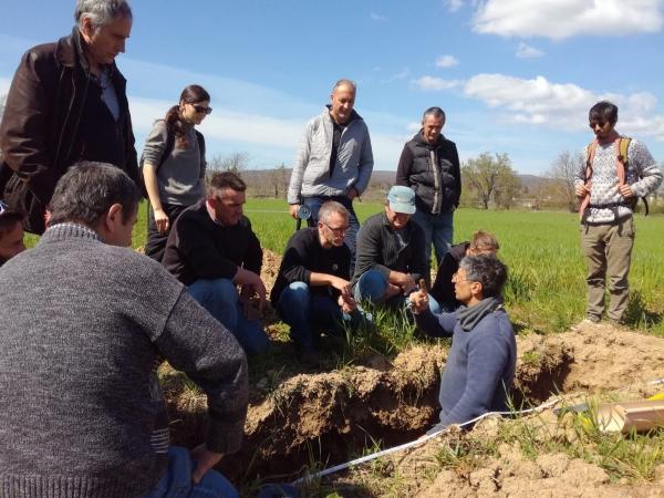 Les sciences agricoles, pour l'autonomie technique des paysans